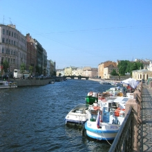 Avenida Nevsky y el río Fontanta