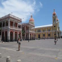 Plaza de Colón, la catedral y el palacio Episcopal