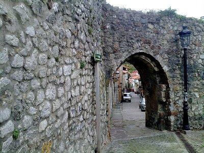 muralla de laredo del siglo XIII