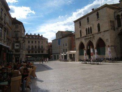 Plaza de la Logia gótica en la plaza de. Foto de Penningtron - Flickr