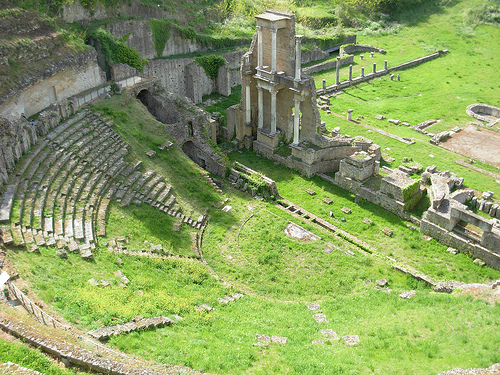 Teatro romano de Volterra. Foto de Copetan - Flickr
