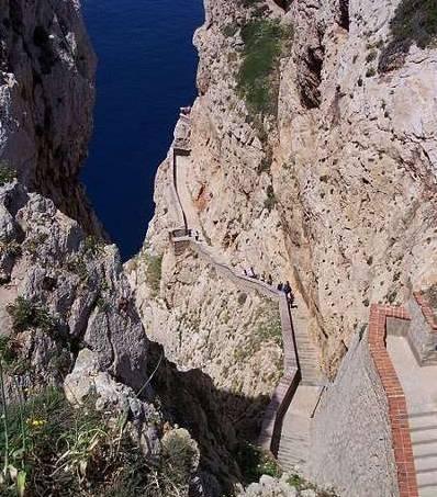 450px-Alghero_Grotta_di_Nettuno_Stairways