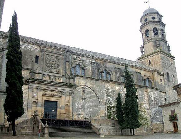 743px-Baeza_-_Catedral,_exteriores_01