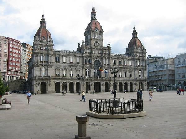 800px-Ayuntamiento_de_A_Coruna
