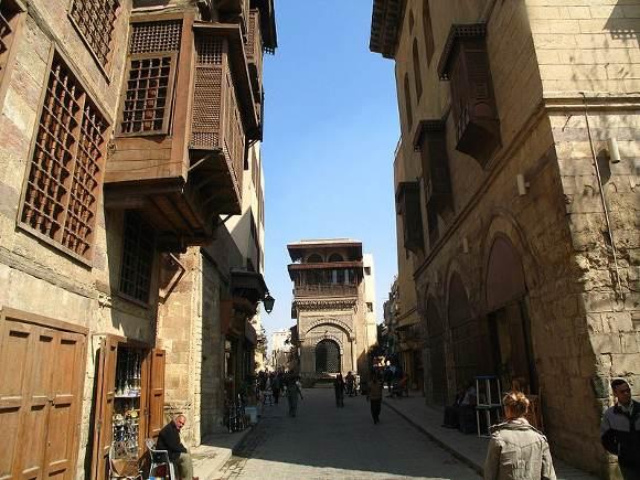 800px-Islamic-cairo-street