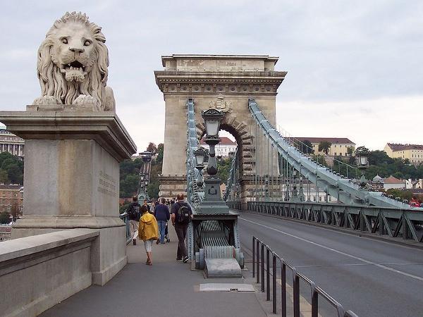800px-Ponte_dei_leoni