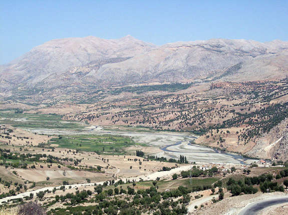800px-View_to_Mount_Nemrut
