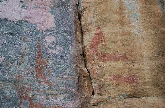 800px-Tsodilo_Hills_rock_paintings5