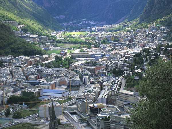800px-Andorra_la_Vella_3