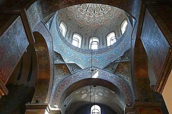 800px-Etchmiadzin_cupola