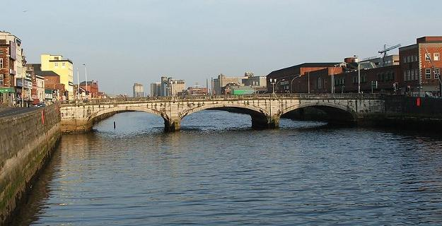 800px-Patricks_bridge_cork