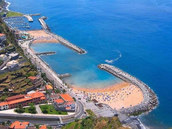 800px-Madeira_Beach_(163610932)