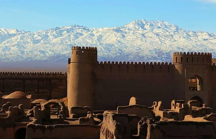 Castillo de Rayen, Irán