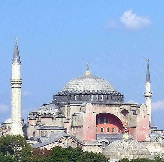 Hagia Sofía, Estambul, Turquía. Foto de Robert.raderschatt, Wikimedia Commons.