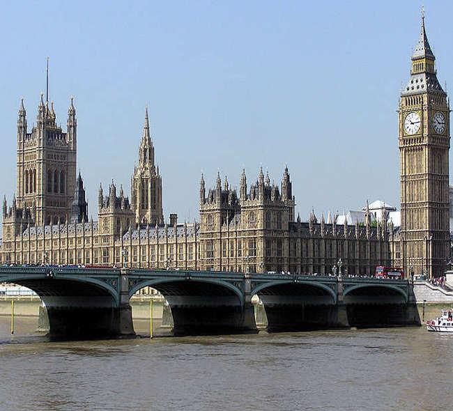Big Ben y Parlamento, Londres, Gran Bretaña. Foto de Wikimedia Commons.