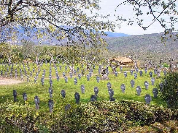 Camposanto del cementerio militar alemán de Cuacos de Yuste, en Extremadura