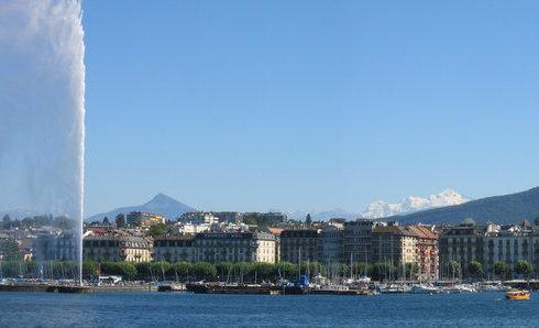 Lago de Ginebra y la fuente Jet d'Eau