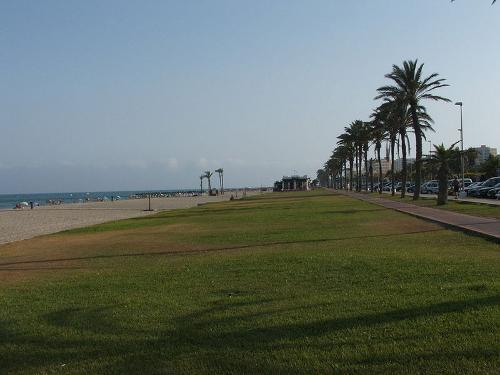 Paseo marítimo y playa de Roquetas de Mar.