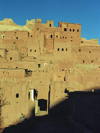 Casas de adobe en Ait Ben Hadu, sur del Alto Atlas, Marruecos