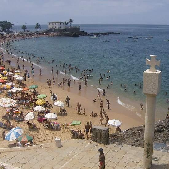 Playa de Salvador de Bahía, Brasil. Foto: Luan, Wikimedia Commons (CC BY-SA 3.0).