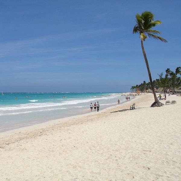 Playa de Bávaro, República Dominicana. Foto: Andreas Volkmer, Wikimedia Commons (CC BY-SA 3.0).