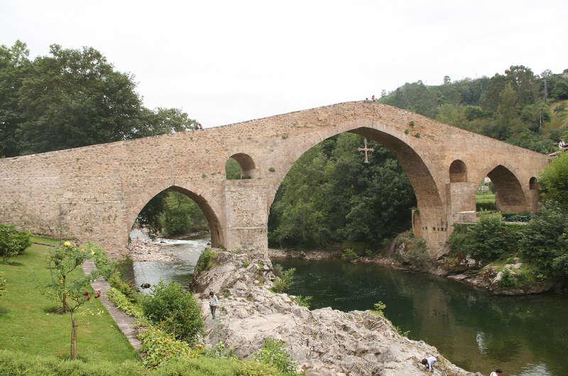 El puente romano de Cangas de Onís, Asturias