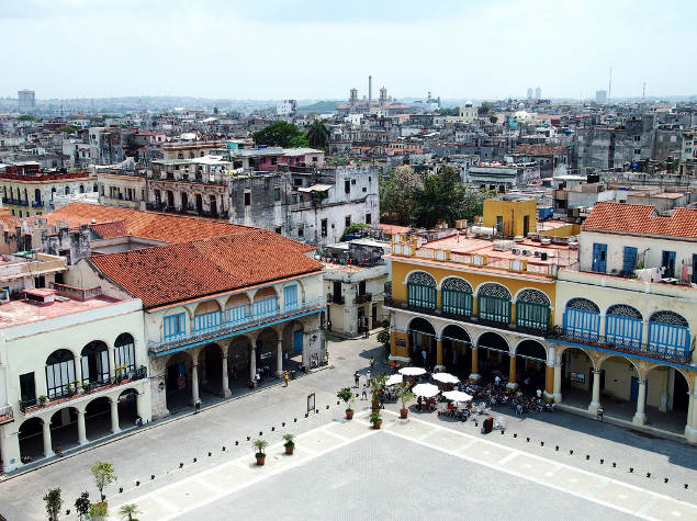 Plaza Vieja en Habana Vieja, Cuba