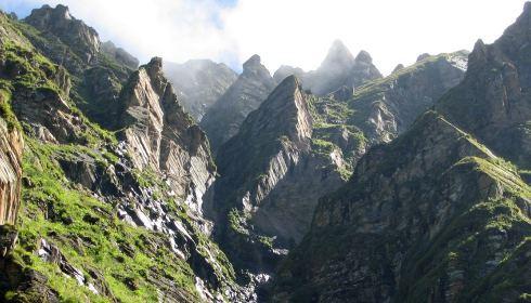 Pico Jumbled, Tirath, Gran Parque Nacional del Himalaya, India