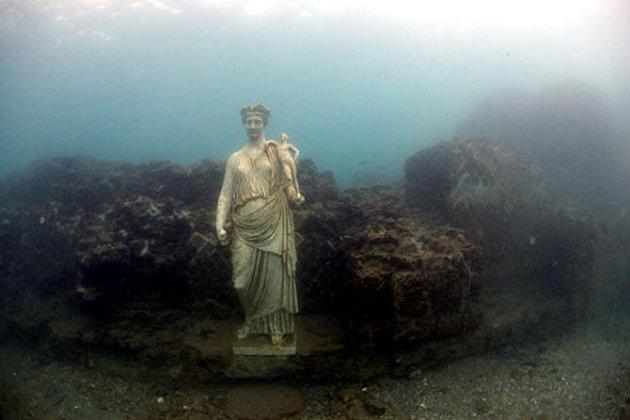 Ciudad submarina de Bayas (Baiae), en Italia