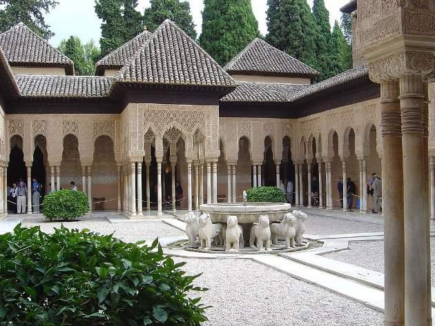 Patio de los Leones de la Alhambra, Granada, Andalucía