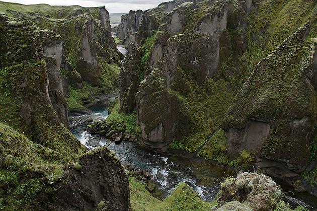 Cañón de Fjadrárgljúfur, en Islandia